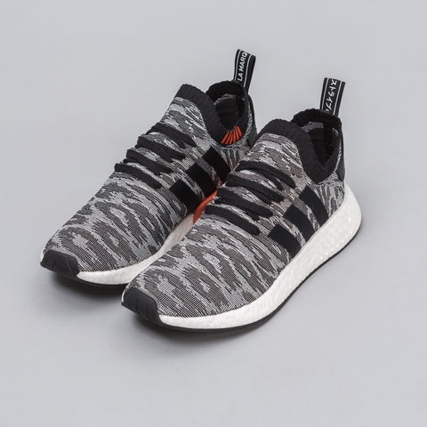 adidas NMD R2 Primeknit in Core Black - Notre