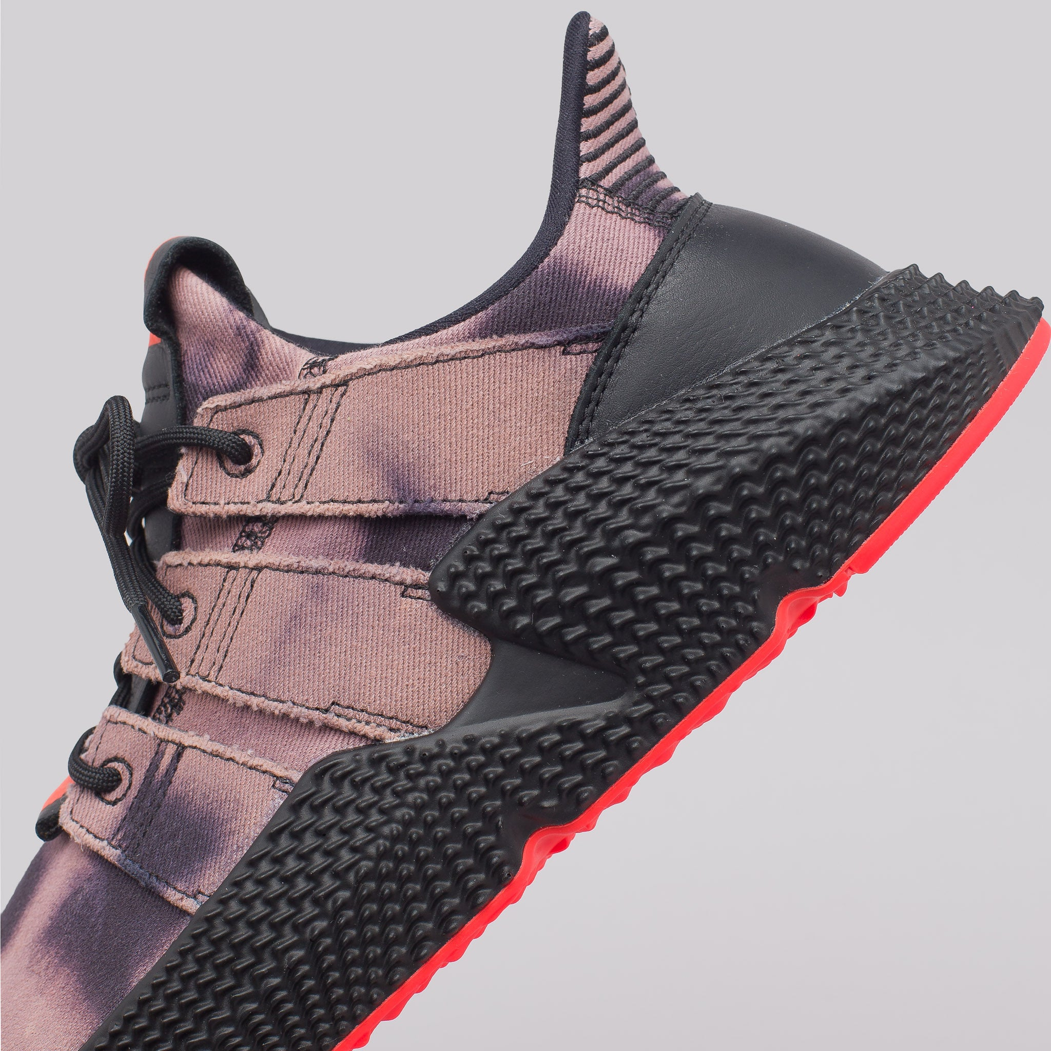 Prophere in Black/Solar Red