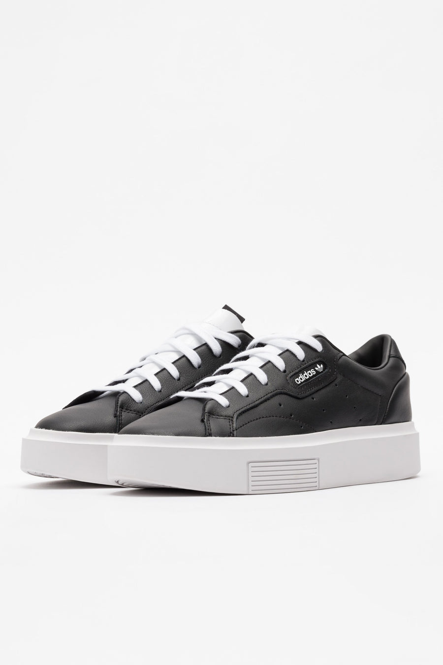 adidas Sleek Super in Black - Notre