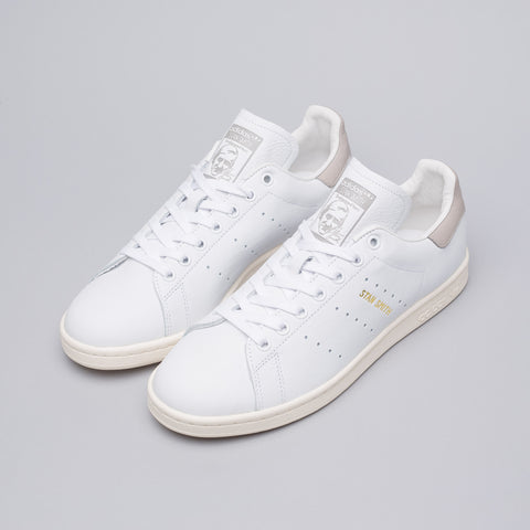 Adidas Stan Smith in Running White/Clear Granite - Notre