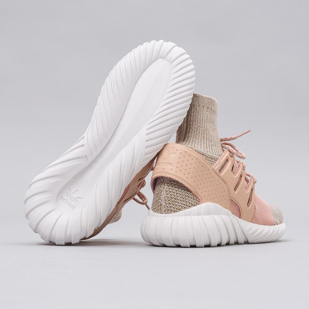Tubular Doom PK in Lt. Tan