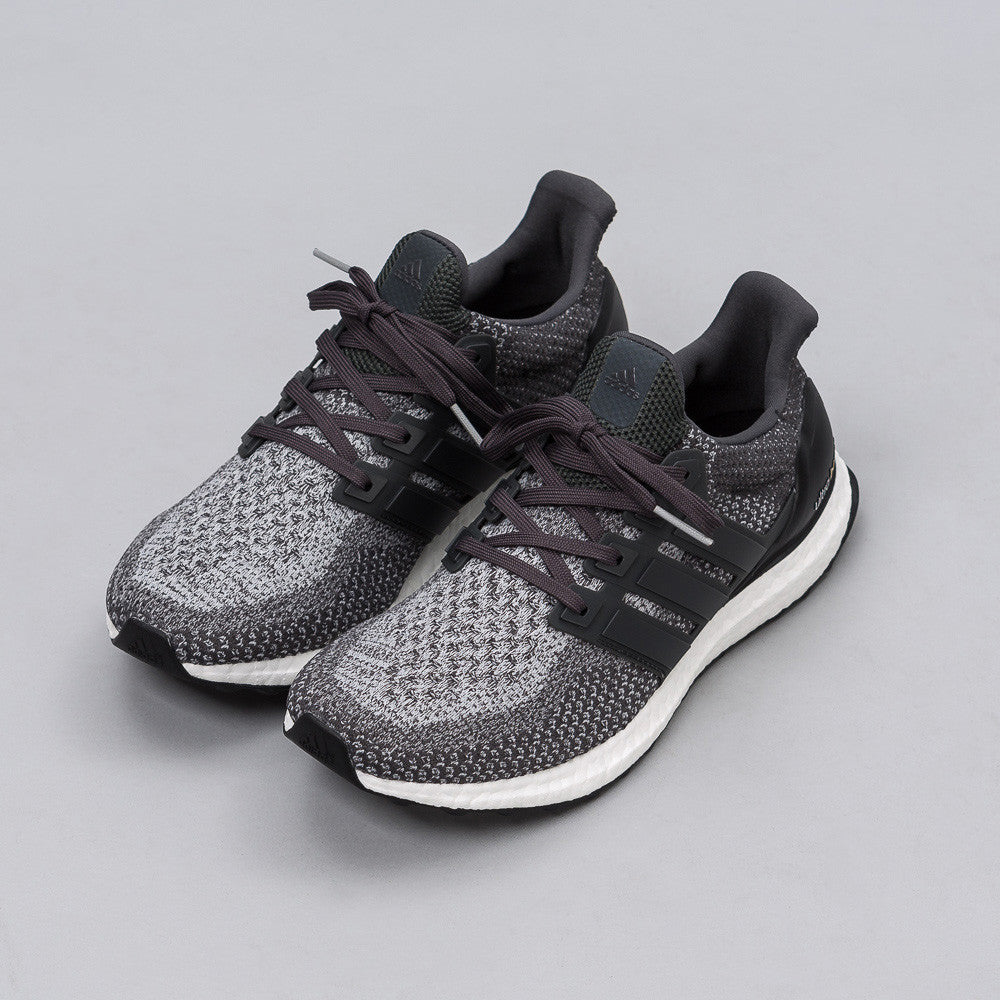 Adidas - Ultra Boost in Grey/Black - Notre - 1