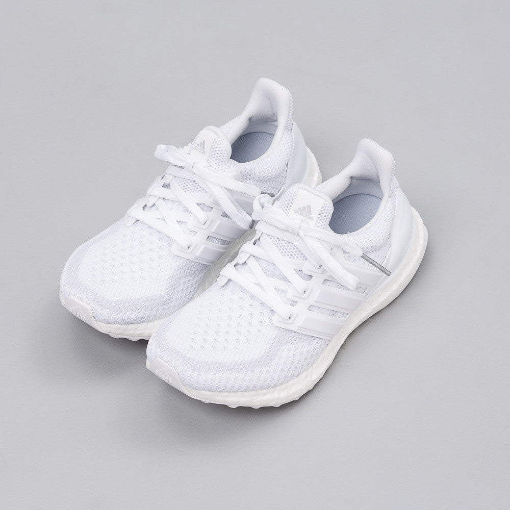 Ultra Boost j in Triple White (Youth)