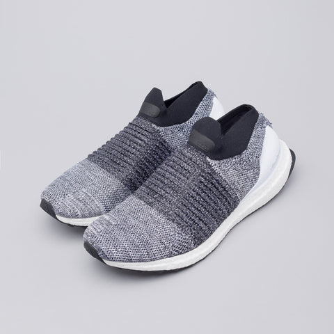 Adidas Ultra Boost Laceless in White - Notre