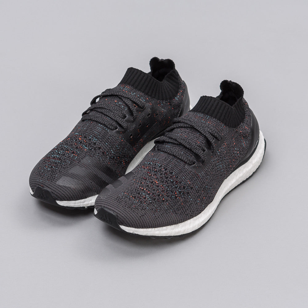 Adidas Ultra Boost Uncaged in Core Black / Multi - Notre