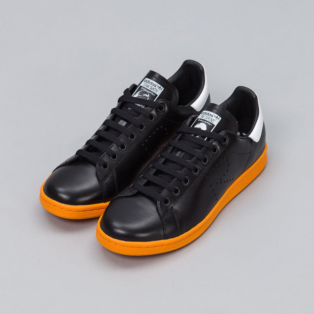 Adidas x Raf Simons - x Raf Simons Stan Smith in Black/Orange - Notre - 1