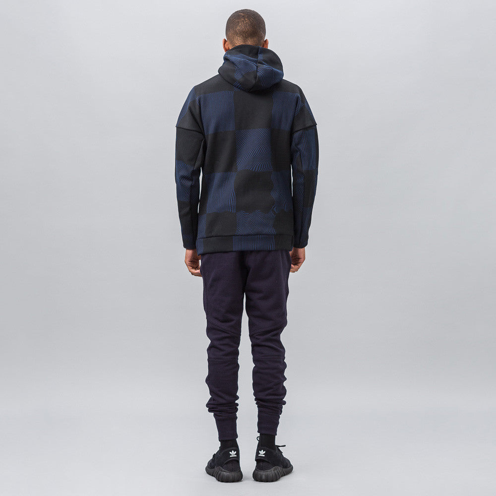 Z.N.E. Checked Hoodie in Core Black/Collegiate Navy