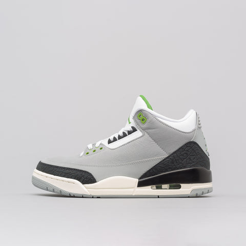 Jordan Air Jordan 3 Retro in Light Smoke Grey - Notre