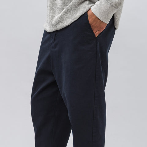 Ami Oversized Carrot Fit Pant in Navy - Notre