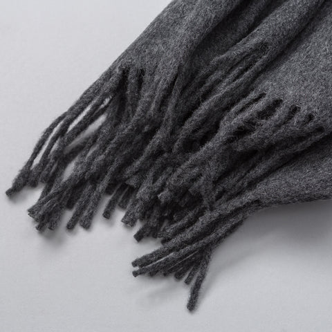 Ami Plain Knitted Scarf in Grey - Notre