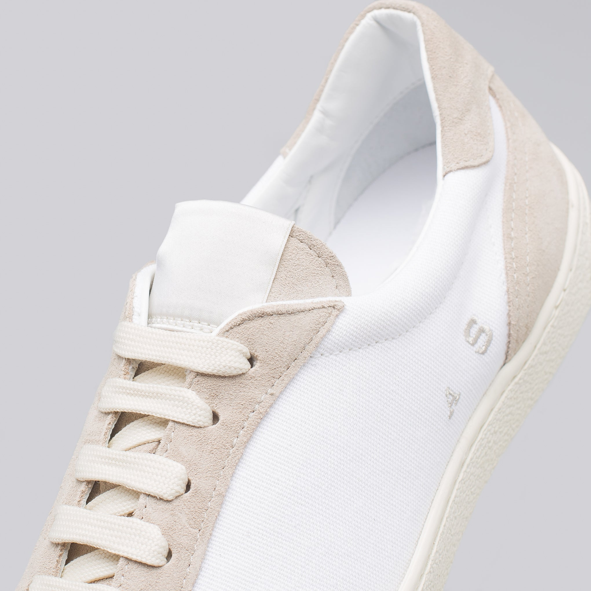Lars Canvas Shoe in White