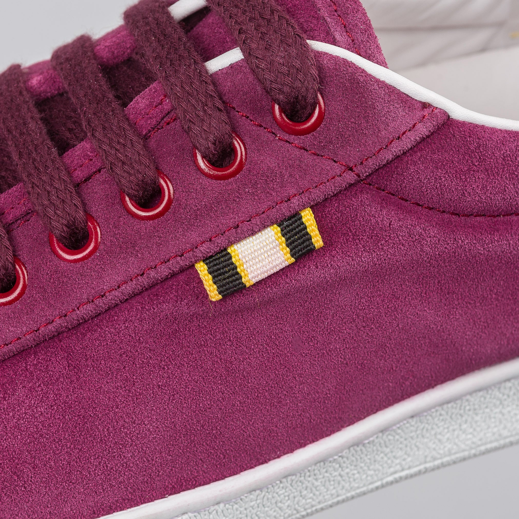 Suede Low in Port