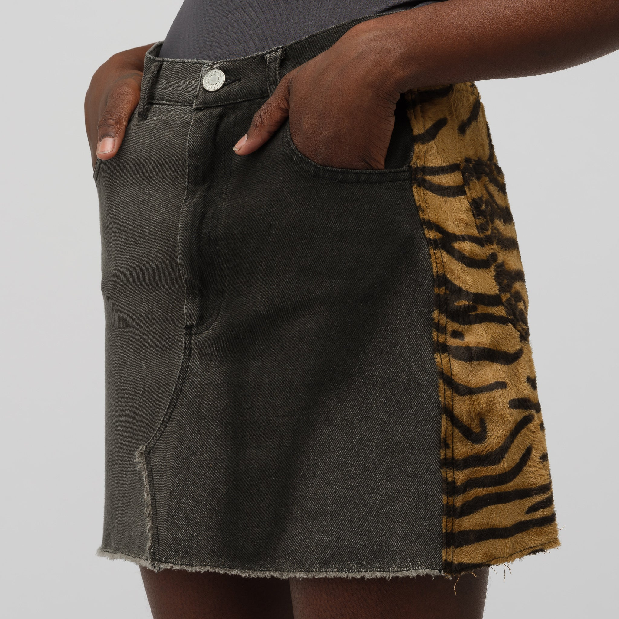 Stephanie Skirt in Grey/Tiger