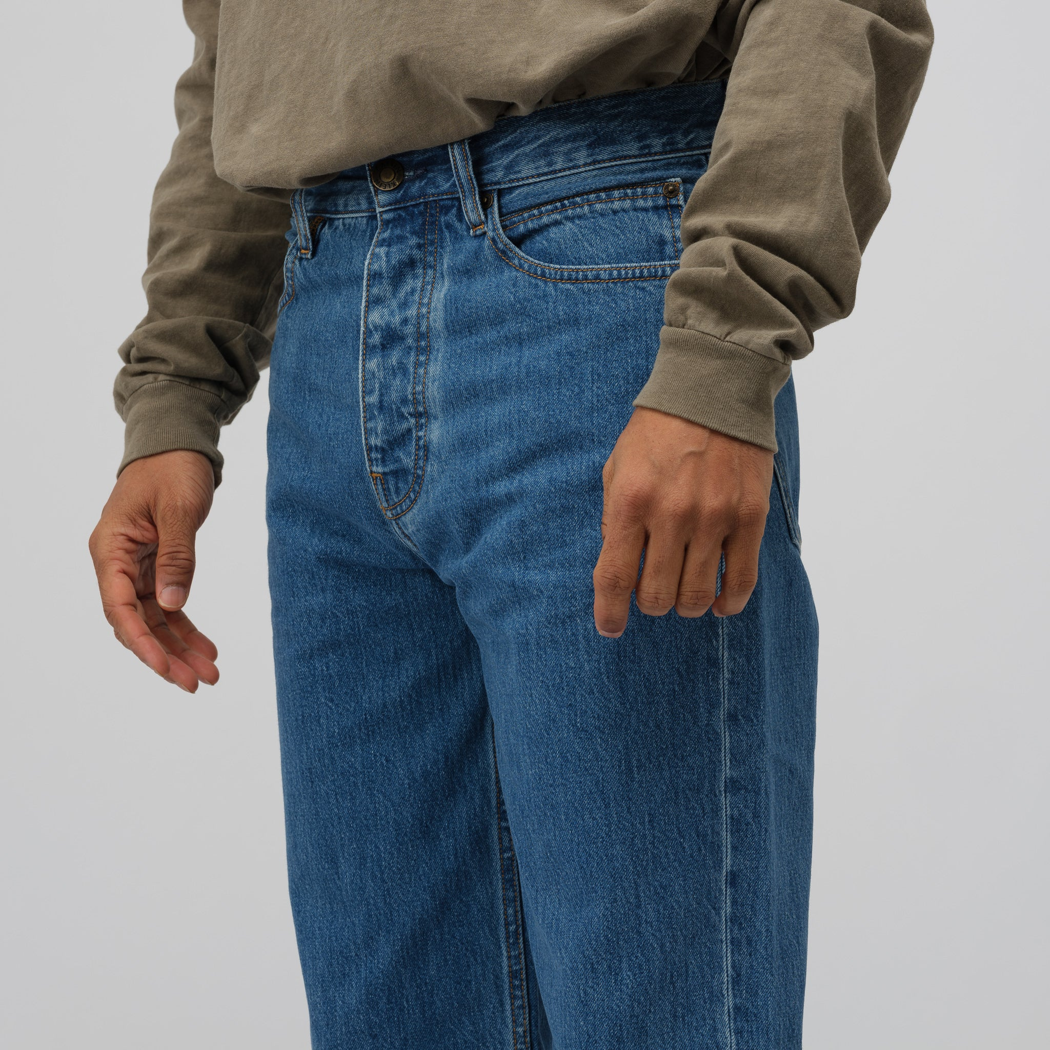 Baggy Jeans in Tough Blue