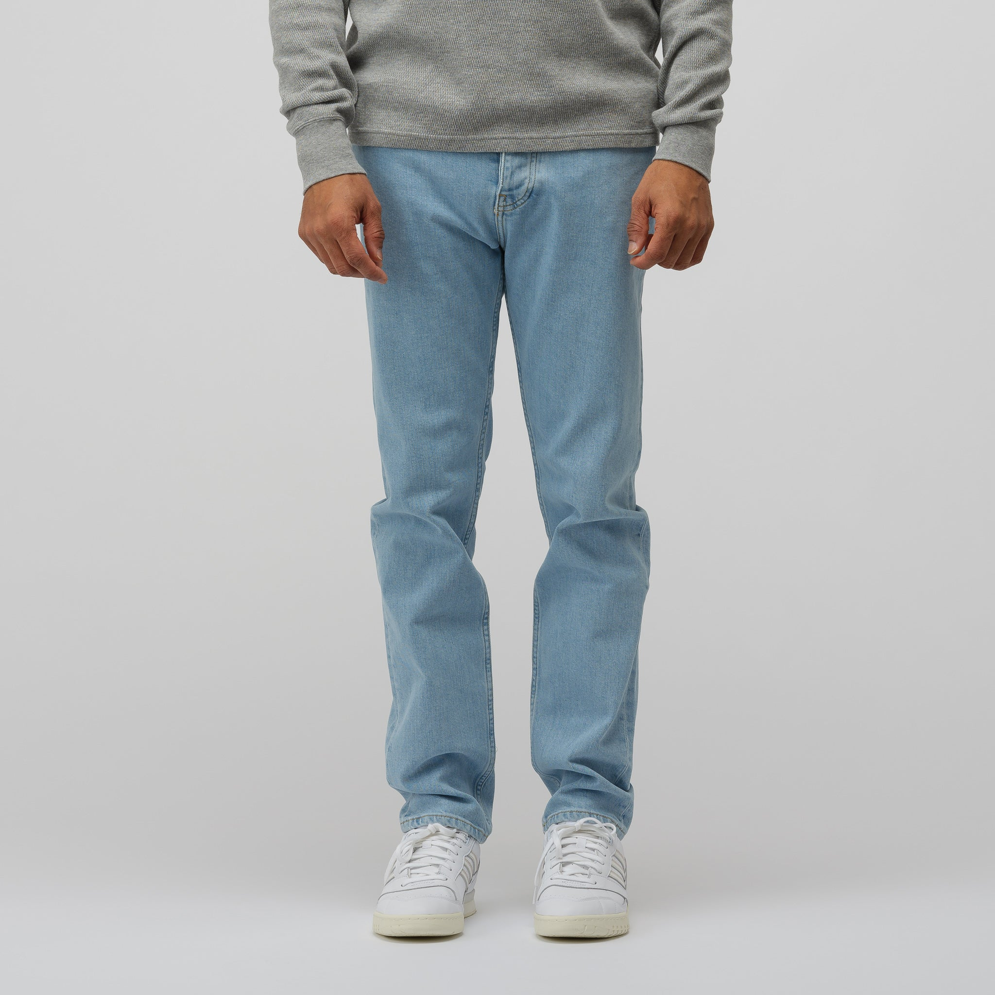 Narrow Leg Jeans in Macho Blue