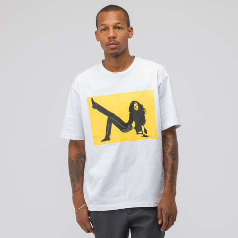 CALVIN KLEIN JEANS EST. 1978 Brooke Chest Logo Print Tee in White/Yellow - Notre