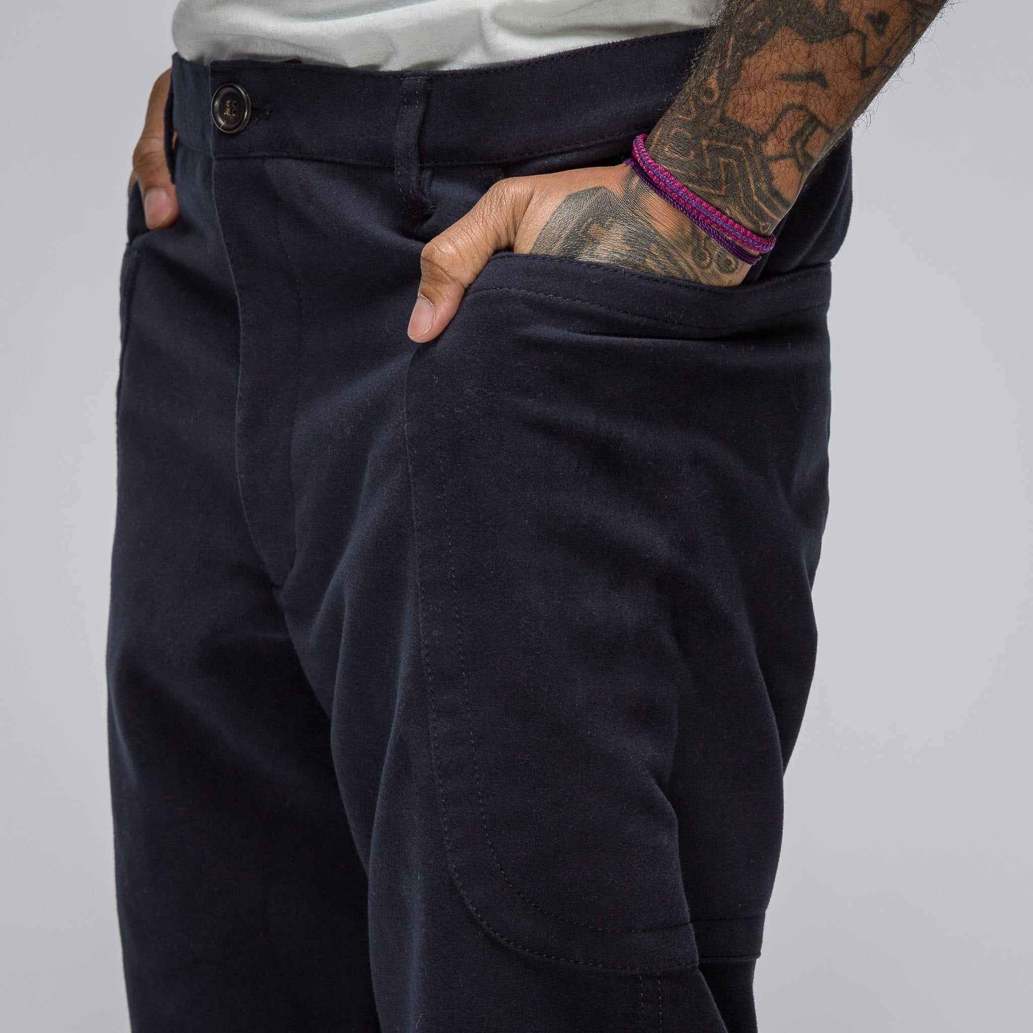 Woven Pant in Navy