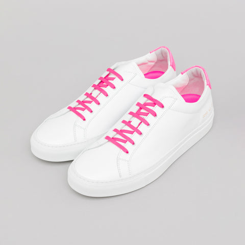Common Projects Retro Low Fluo in White/Pink - Notre