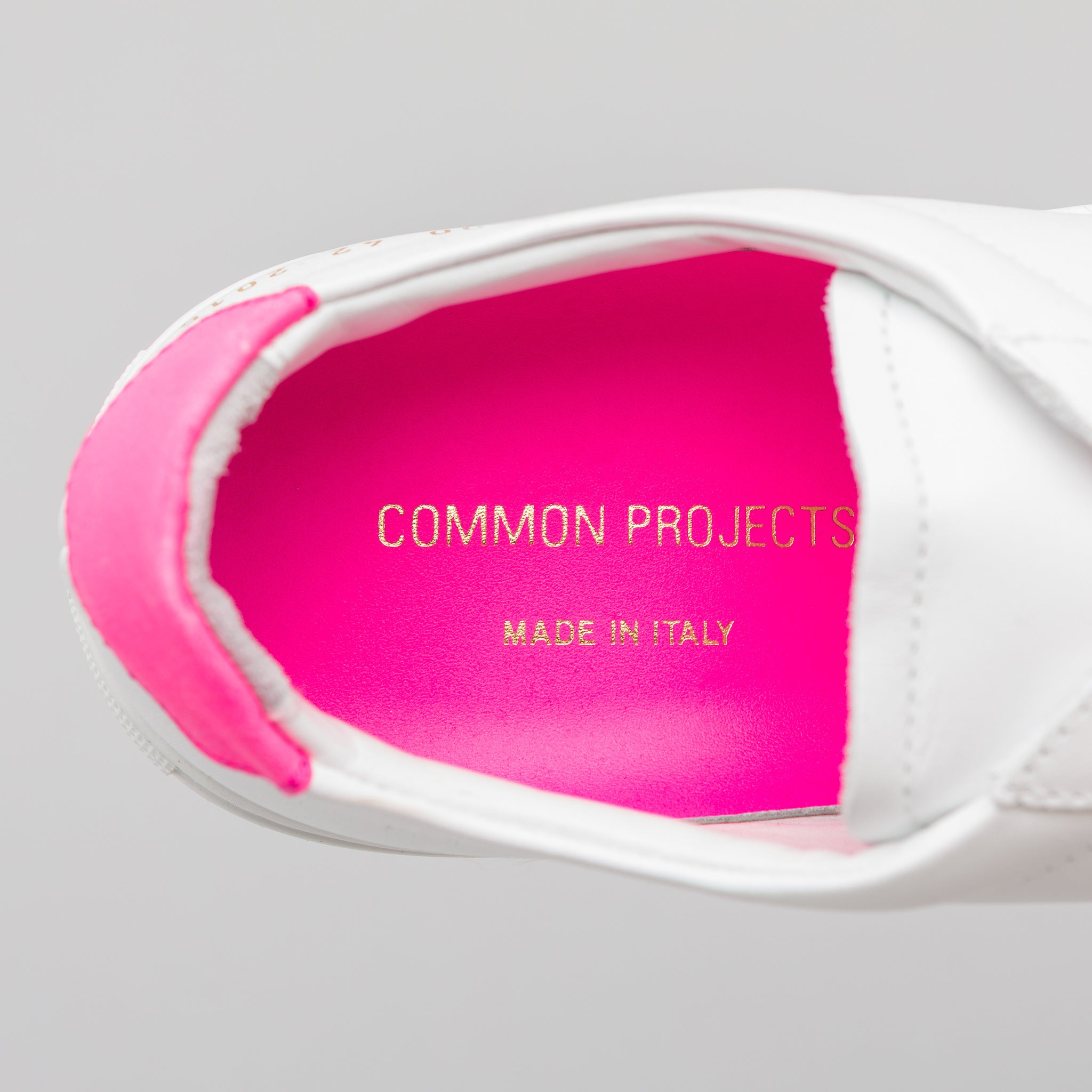Retro Low Fluo in White/Pink