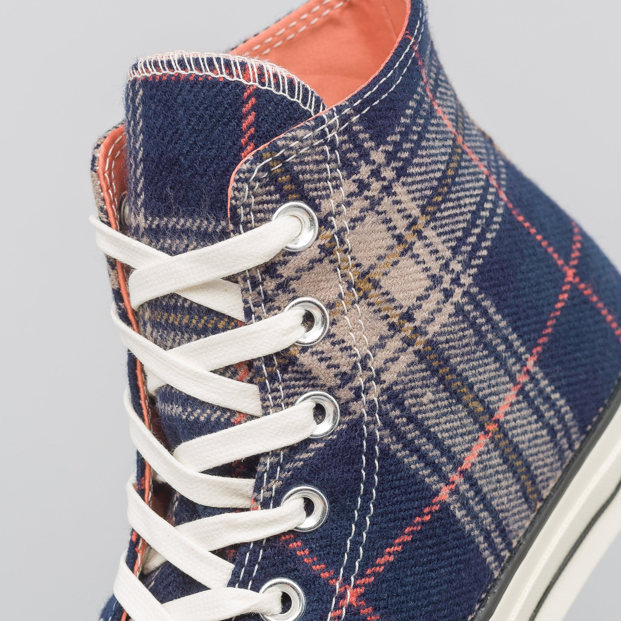 Chuck 70 Hi in Navy/Terracotta Red