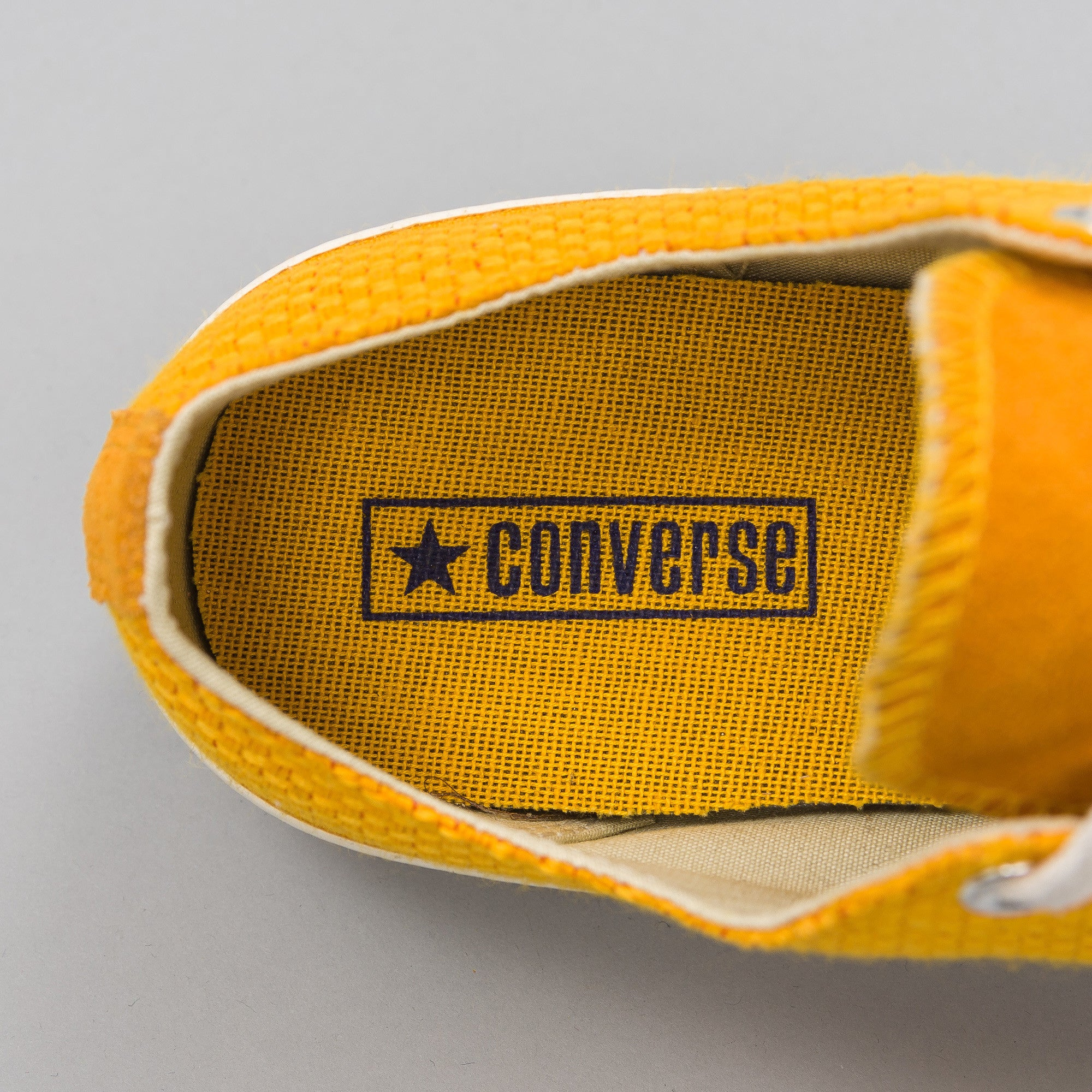 CT AS70 Woven Low in Univ. Gold