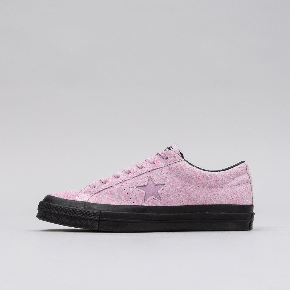 Converse x Stussy One Star 74 in Mauve Mist Notre 1