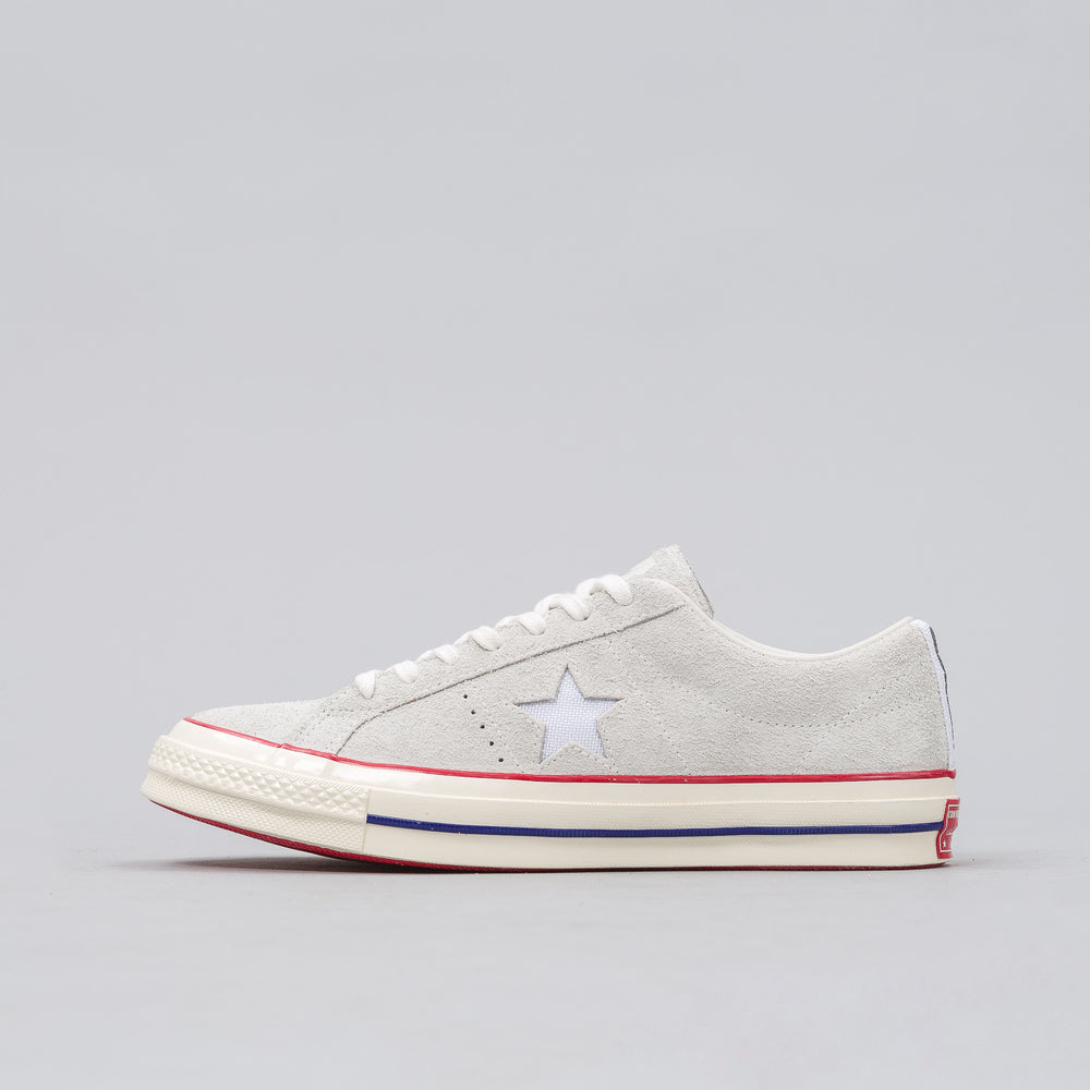 Converse Converse x Undefeated One Star Ox in Blanc de Blanc/High Risk Red - Notre