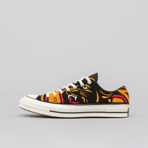 Converse x Undefeated Chuck 70 Ox in Apricot/Baked Apple - Notre