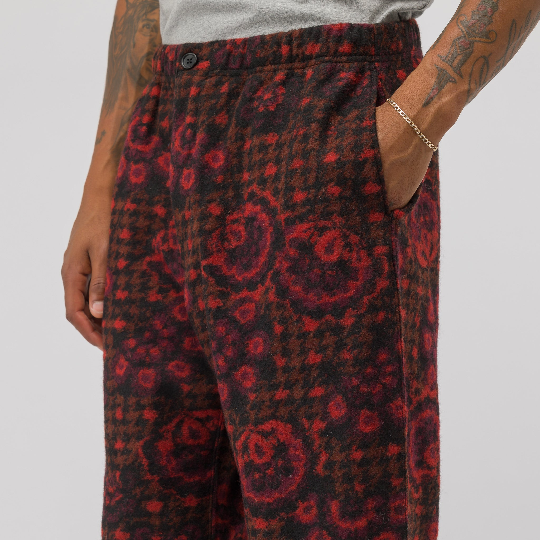Jog Pant in Red/Black