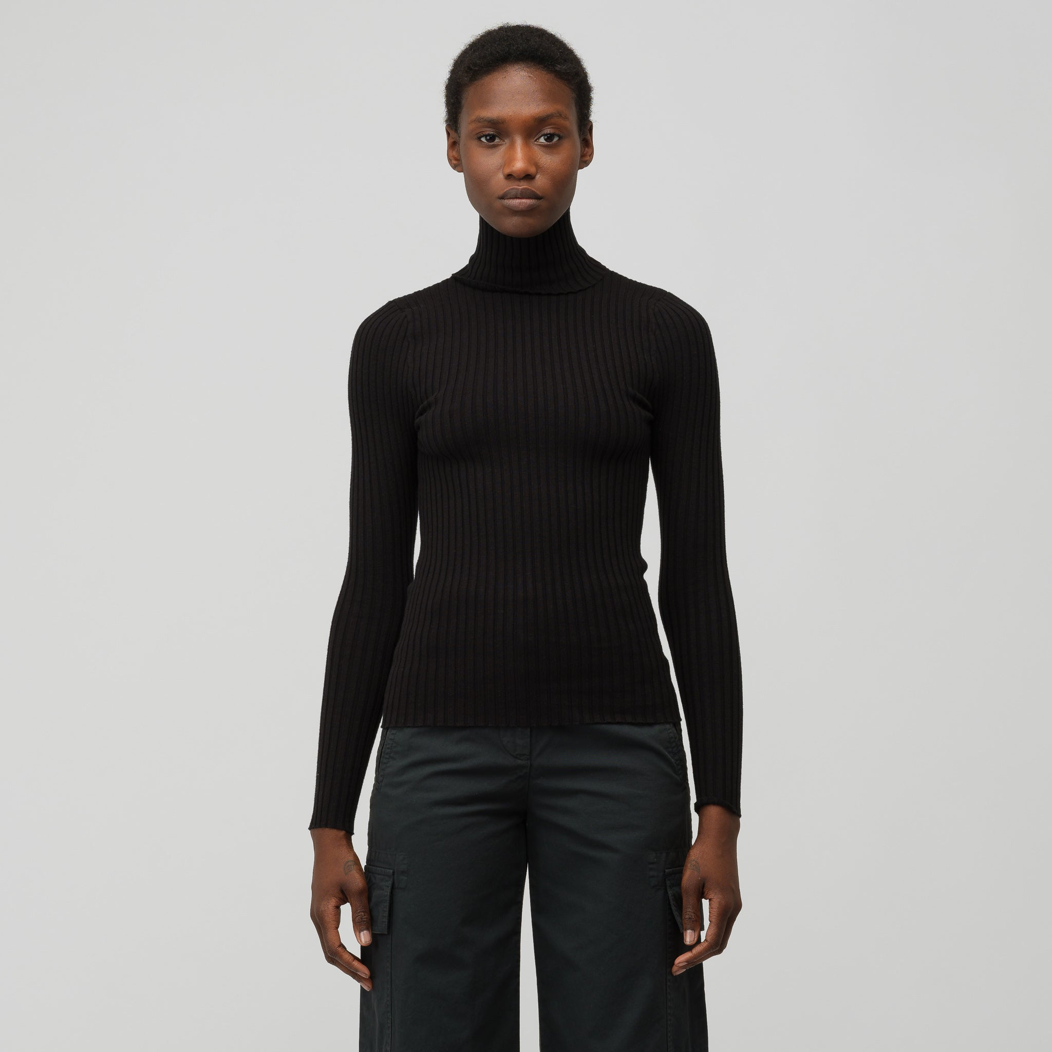 Nonna Turtleneck in Onyx