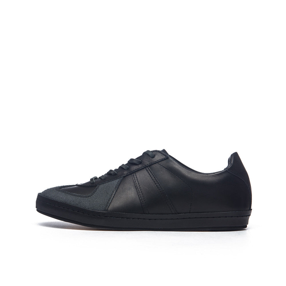 Hender Scheme - Manual Industrial Products 05 in Black - Notre - 1