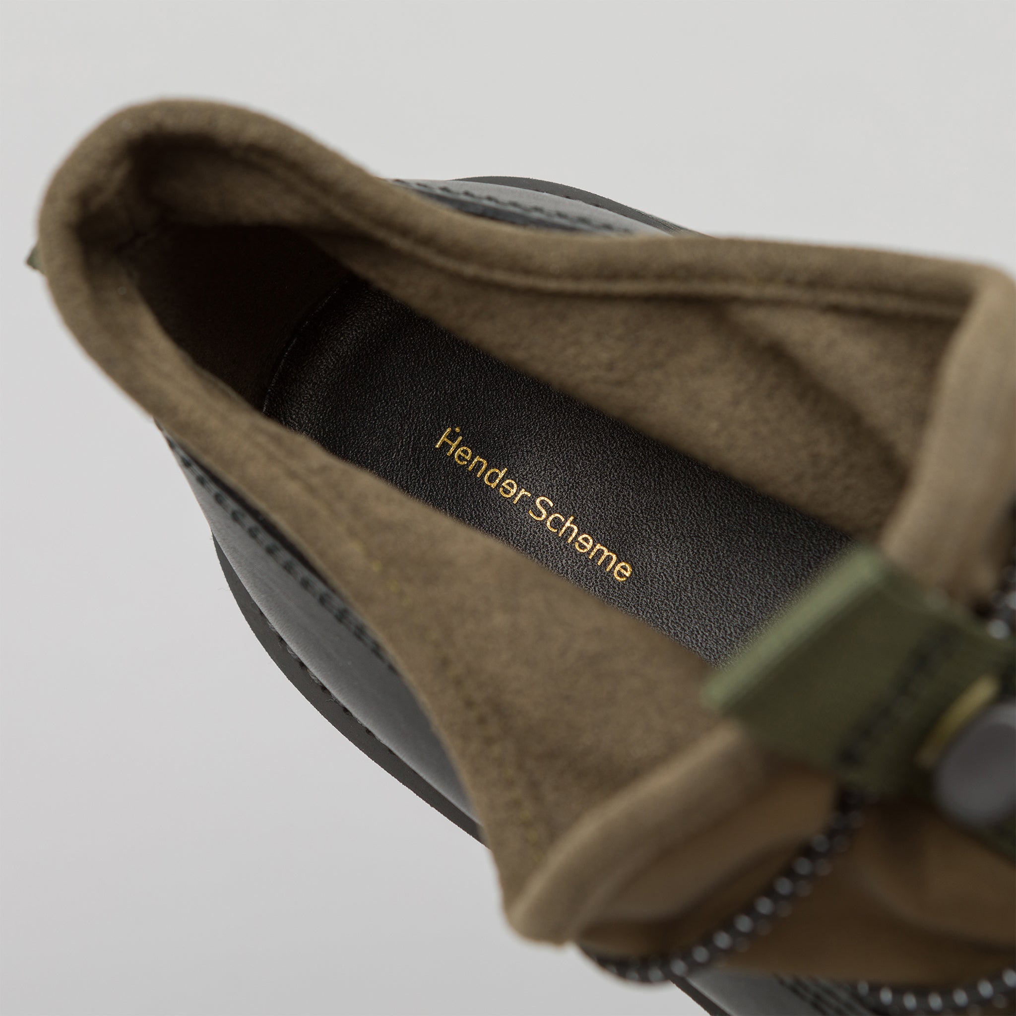 Tarp Shoe in Black/Khaki