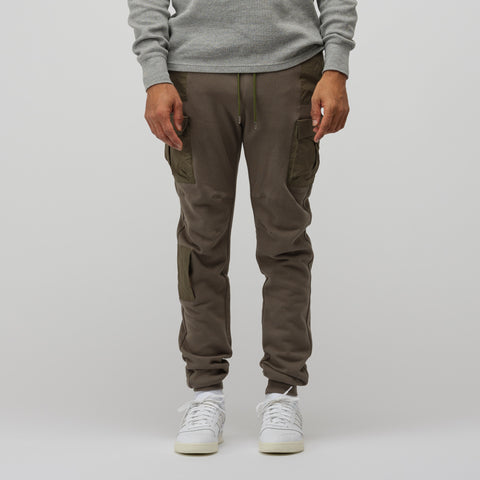 John Elliott Cargo Sweatpants in Olive - Notre