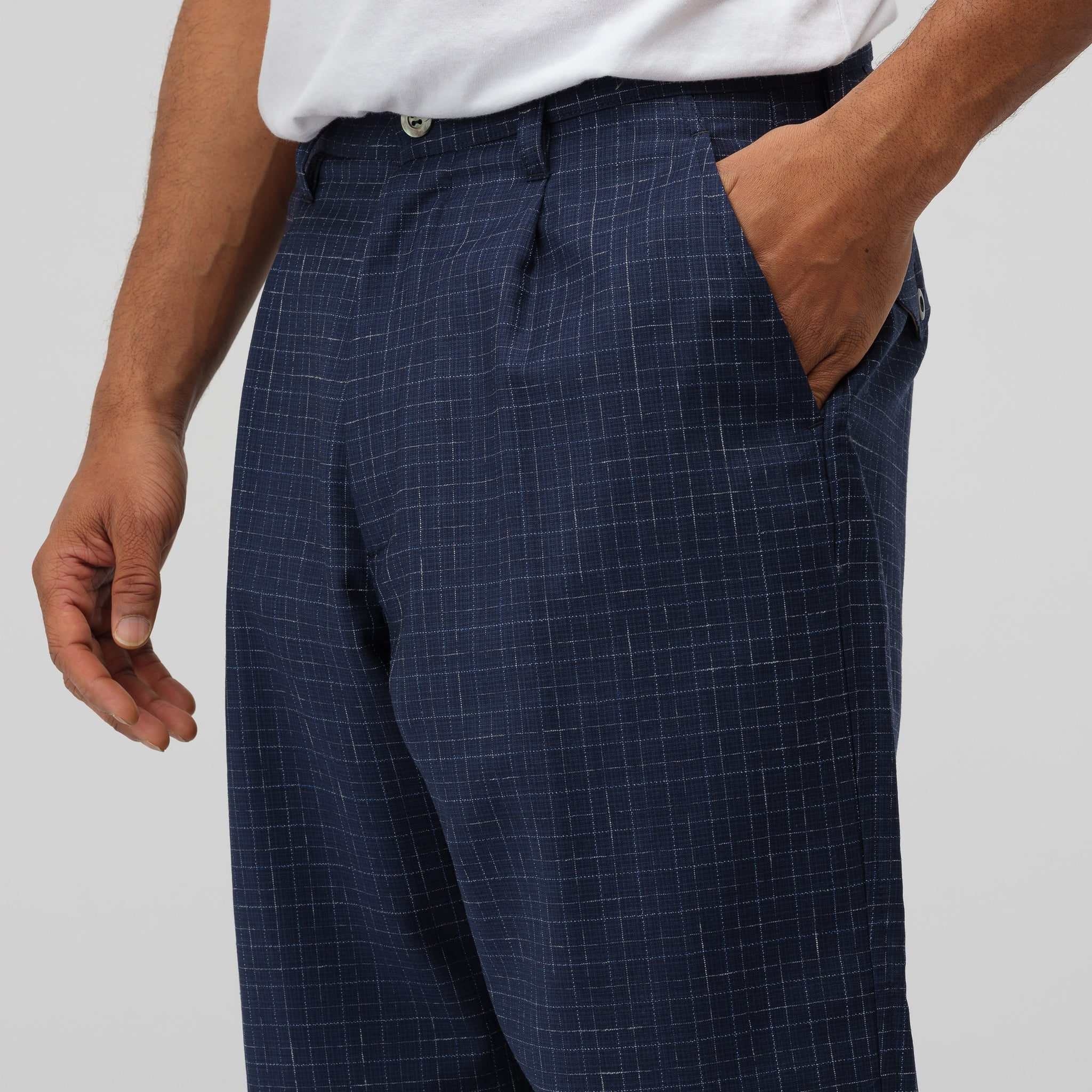 Tropical Wool Short Pant in Navy Check