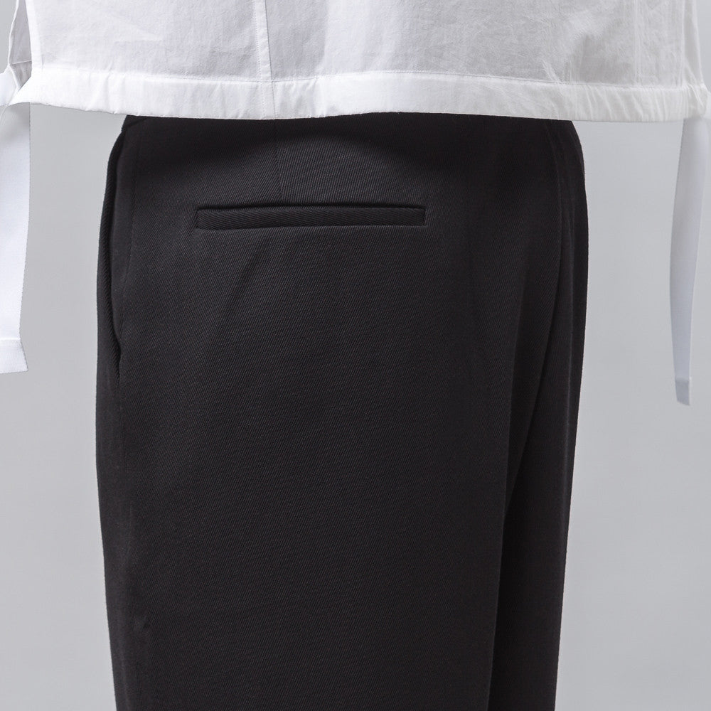 Back Pleat Trouser in Black