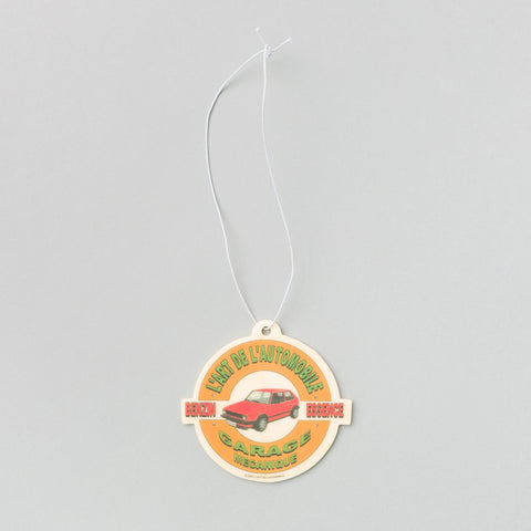 KAR / L'Art de L'Automobile Golf Air Freshener in Strawberry - Notre