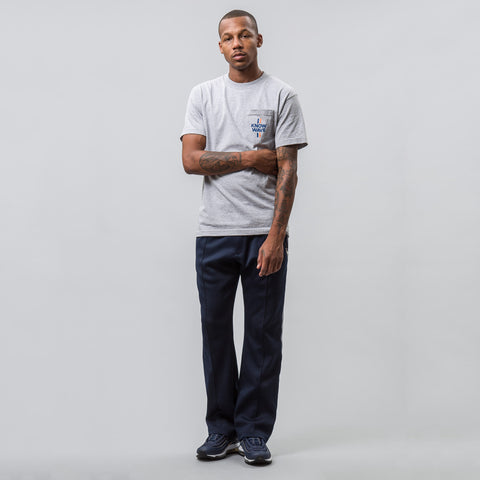 Median Short-Sleeve Pocket Tee in Heather Grey