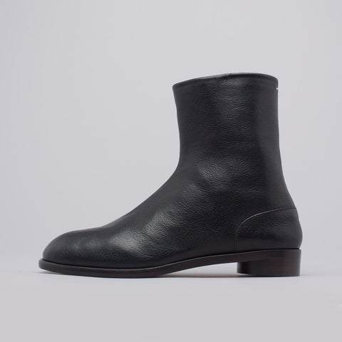 Maison Margiela Flat Tabi Boot in Black - Notre