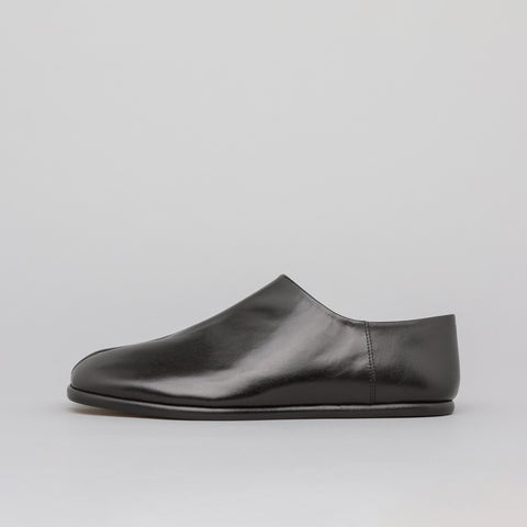 Maison Margiela Low Top Tabi in Black - Notre