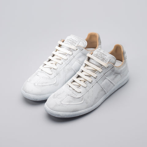 Maison Margiela White Icons Replica Low Top in White - Notre
