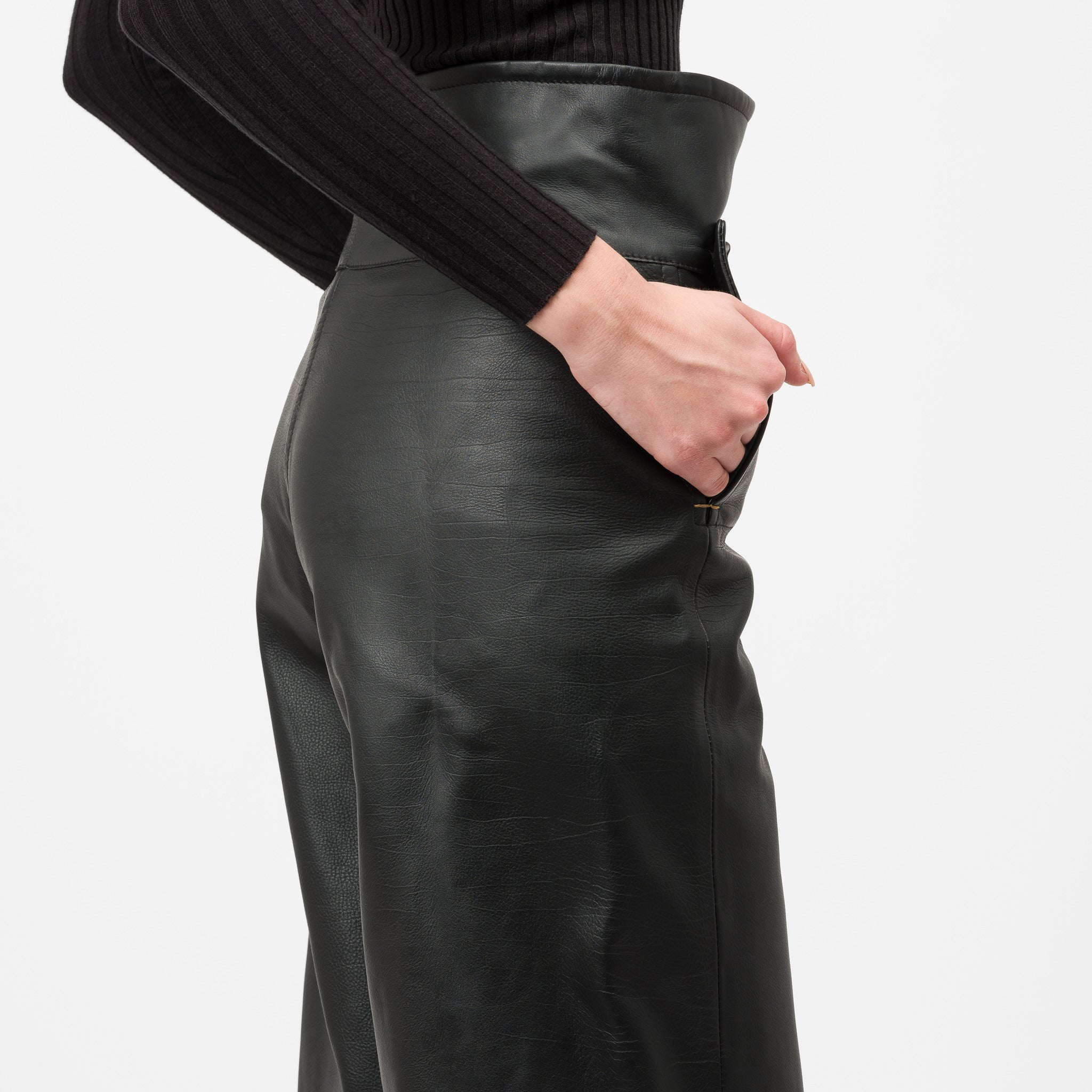 Leather Trouser in Black