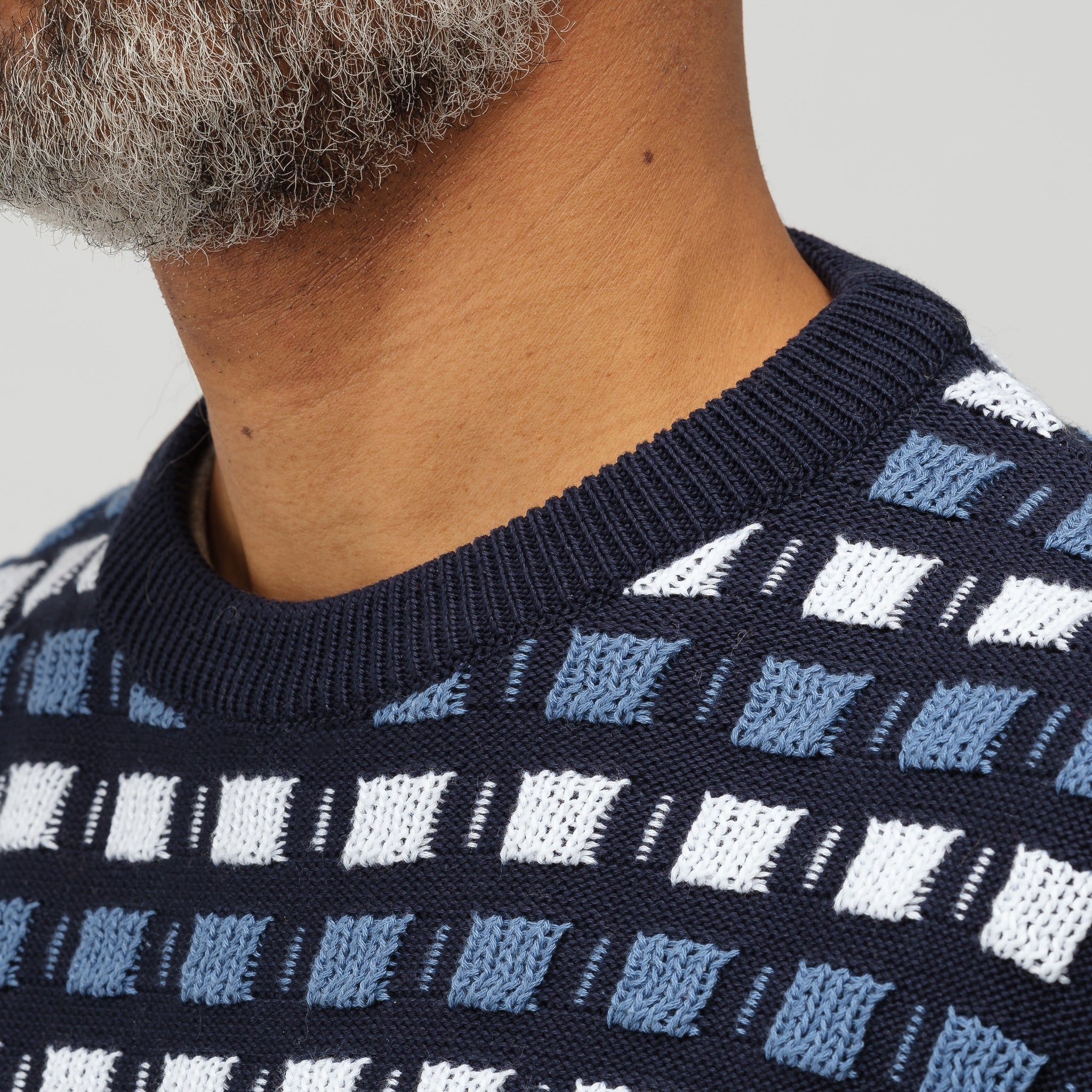 Roundneck Sweater in Navy Blue Multi