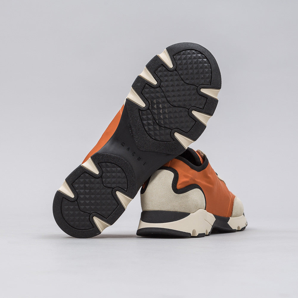 Nylon Runner in Beige/Orange