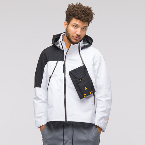 NikeLab ACG 3 Layer Gore-Tex Jacket in White/Black - Notre