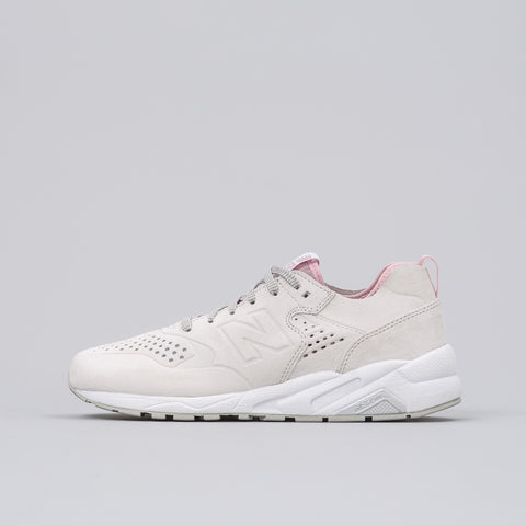 New Balance MRT580DB in White/Rose - Notre