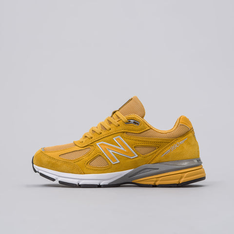 New Balance M990QK4 in Yellow - Notre