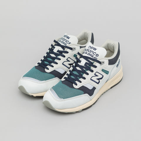 New Balance M1530OGG in Grey/Navy - Notre