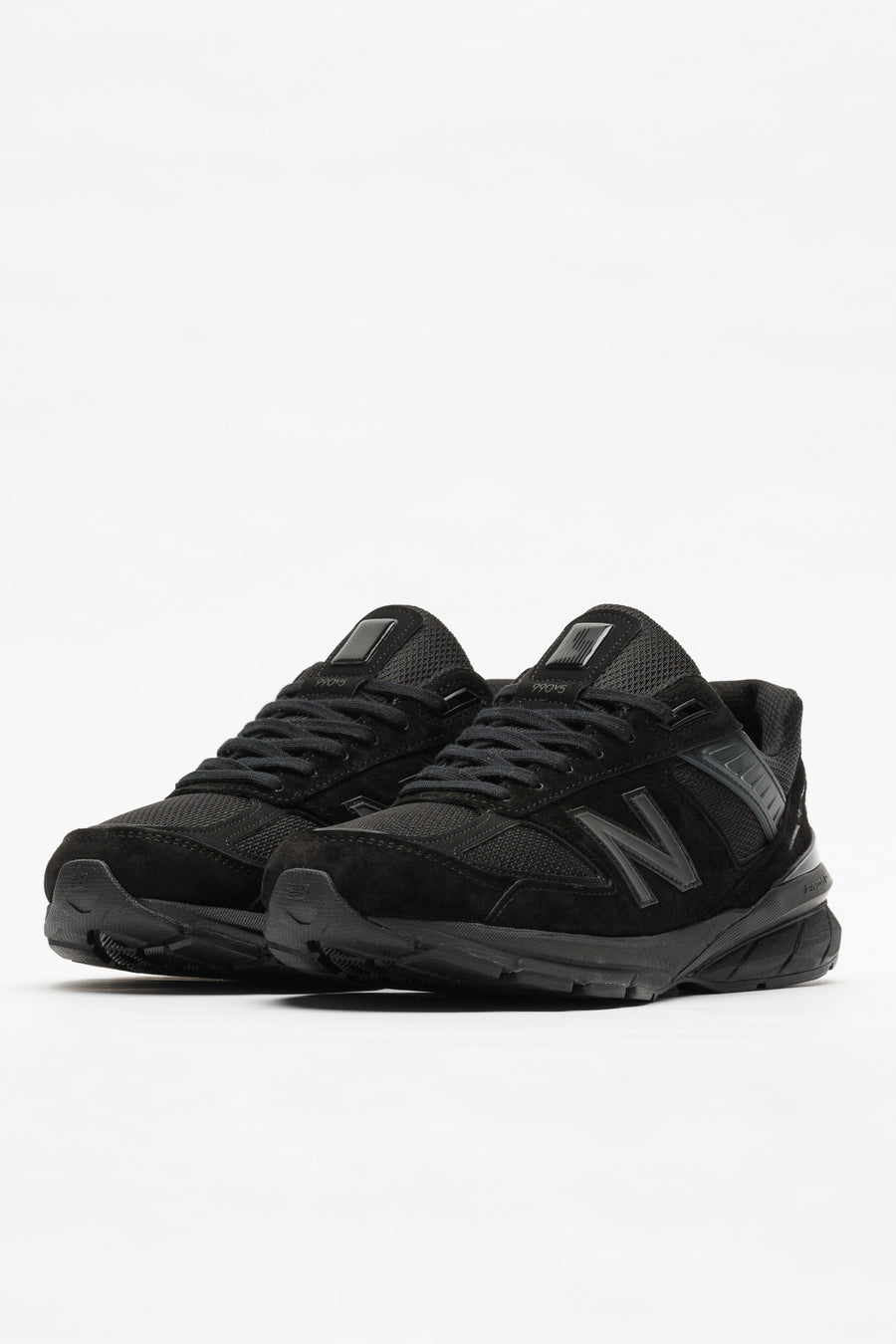 New Balance M990BB5 in Black - Notre