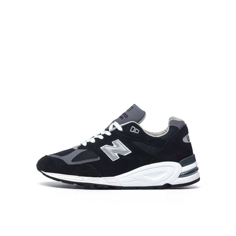 New Balance M990BK2 in Navy Side View