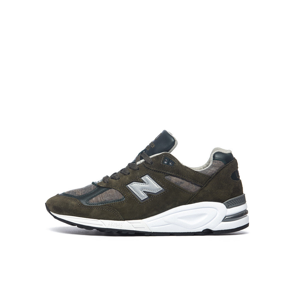 New Balance M990DSU2 in Olive Side View